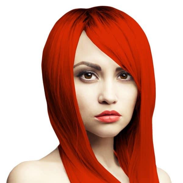 zářivě červená barva na vlasy smyvatelná
